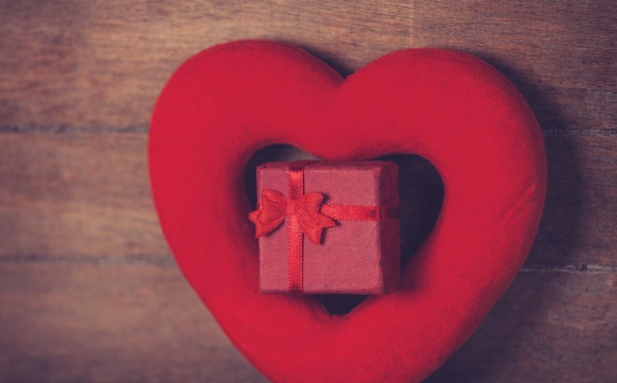 heart shape and gift box